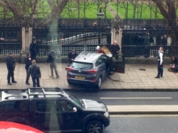 BREAKING NEWS: Doi ROMÂNI RĂNIŢI în atacul terorist de la Parlamentul Marii Britanii! Cel puţin 4 morţi şi 20 răniţi! Premierul britanic era în zonă! VIDEO DIN MOMENTUL ATACULUI