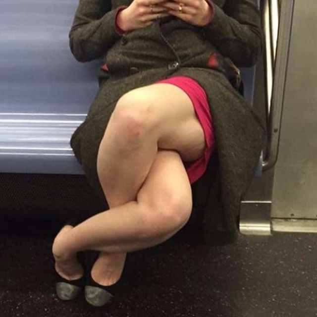 picioare eincrucisate