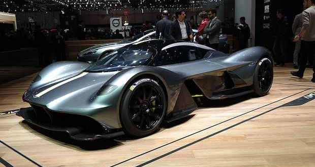 Aston-Martin-Valkyrie_Geneva_Motor_Show