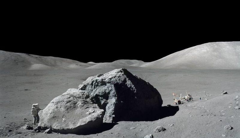 Astronaut-Aterizare-Luna-2
