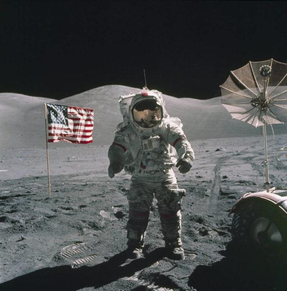 Astronaut-Aterizare-Luna