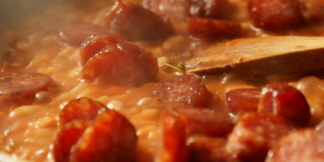fasole cu carnati